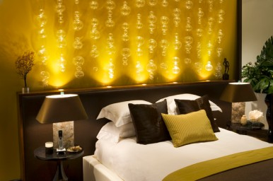 Dazzling-Bedroom-Lighting-Ideas-Cool-Bed-Small-Table-Lamps-on-Small-Bedside-Tables-Fresh-Indoor-Plants-Colorful-Pillows